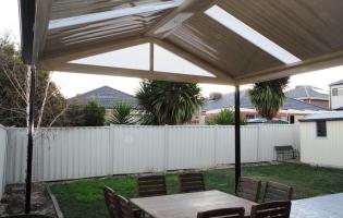 gable-verandah-with-skylights