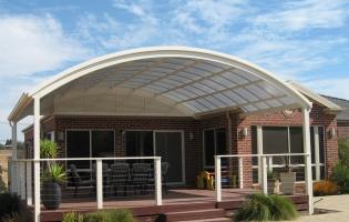 curve-sunpal-verandah-with-custom-handrail
